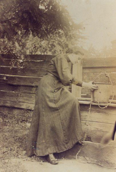Młoda Kazimiera Iłłakowiczówna, ok. 1913 r., ze zbiorów Biblioteki Raczyńskich