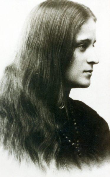 Młoda Kazimiera Iłłakowiczówna, Petersburg 1906–1907, ze zbiorów Biblioteki Raczyńskich