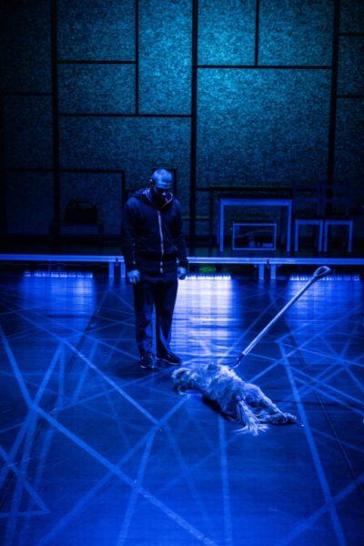 """Spektakl """"Dziwny przypadek psa nocną porą"""", Teatr im. Wojciecha Bogusławskiego w Kaliszu. Fot. Bartłomiej Górniak"""