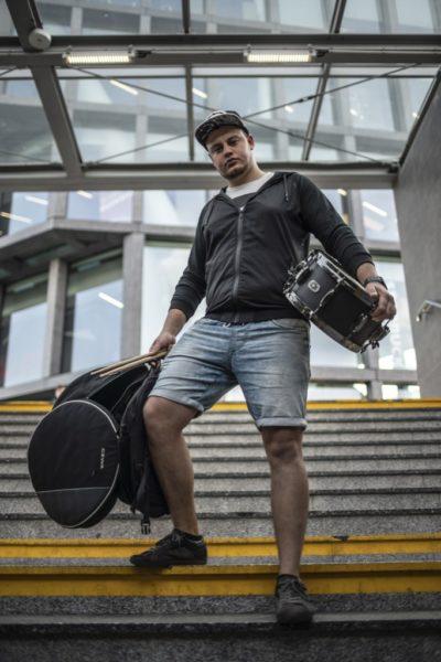 Piotr Kraśner, poznański perkusista i twórca projektu Neo Soul / Hip-Hop Live Session
