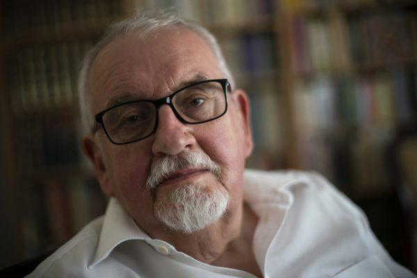 Profesor Tadeusz Zgółka: Czas (dez)informacji - Kultura u Podstaw