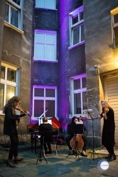 """Festiwal """"Muzyka w studni"""", Wilda, Poznań. Fot. Bartosz Seifert"""