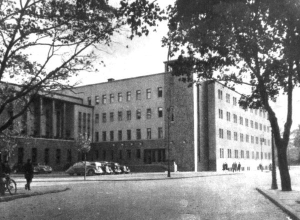 Dom Żołnierza, w okresie wojny siedziba poznańskiego gestapo.