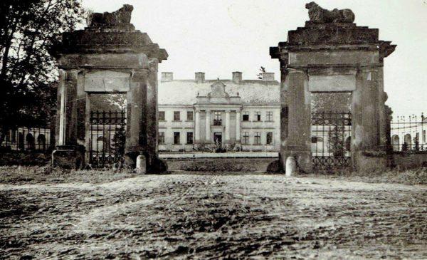 Pałac Rudkach około 1938 roku, zdjęcie ze zbiorów Józefy Ratajczak