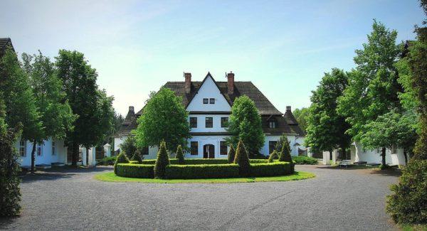 Dwór ze Studzieńca, Wielkopolski Park Etnograficzny, fot. Muzeum Pierwszych Piastów na Lednicy