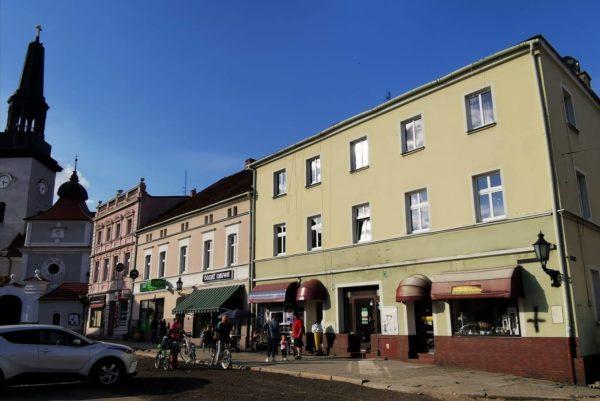 Jarocin, Rynek 4. To w tej kamienicy od połowy lat 60. XX wieku działała kawiarnia Młodzieżowa, w której powstał klub Olimp