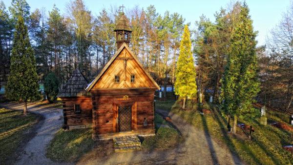 Kaplica z lasów Grabskich, Wielkopolski Park Etnograficzny, fot. Muzeum Pierwszych Piastów na Lednicy