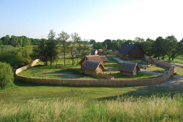 Rezerwat Archeologiczny w Gieczu, Osada edukacyjna, fot. Teresa Krysztofiak