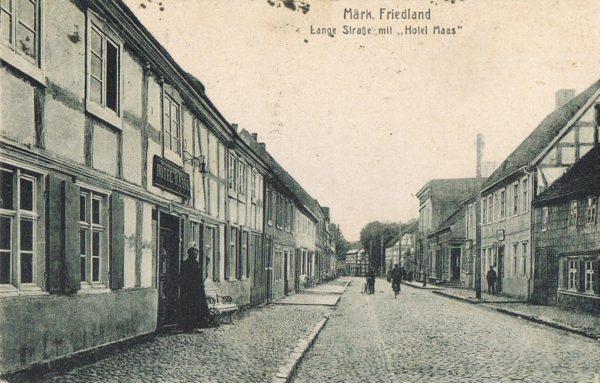Przedwojenna pocztówka: Lange Straße w Mirosławcu, obecnie ulica Sprzymierzonych, początek XX wieku