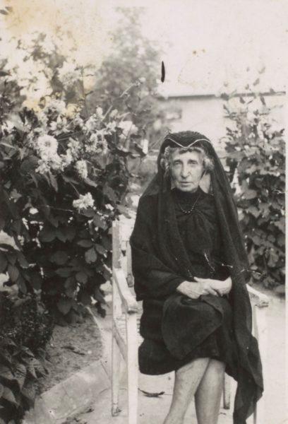 Julia Puget w żałobie po rozstrzelaniu męża , fot. Polona