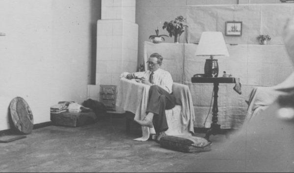 Ludwik Puget, w swojej pracowni w Poznaniu 1935, fot. Narodowe Archiwum Cyfrowe