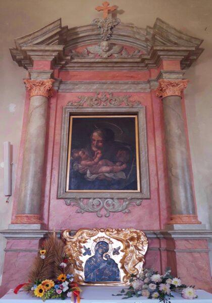 Jeden z ołtarzy bocznych ufundowanych przez Ludwika Chłapowskiego, fot. Olga Urban