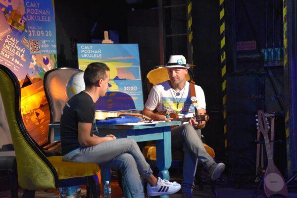 Piotr Kończal i Przemysław Śledź w studio Festiwalu Cały Poznań Ukulele Online, fot. B. Landsberg