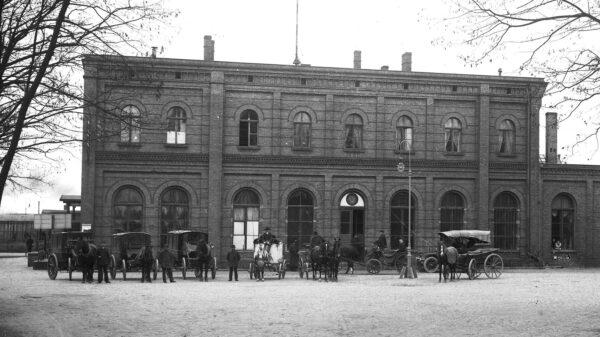 Stary dworzec kolejowy, fot. C. Sikorski, z kolekcji Fundacji Tres