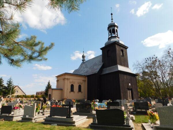 Kościół pw. Wniebowzięcia NMP i kaplica grobowa Szołdrskich w Gołębinie, fot. Emilian Prałat, 2020