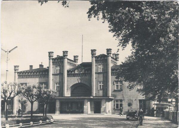 Dworzec PKP, budynek w 1959, fot. ze zbiorów Z. Sochy
