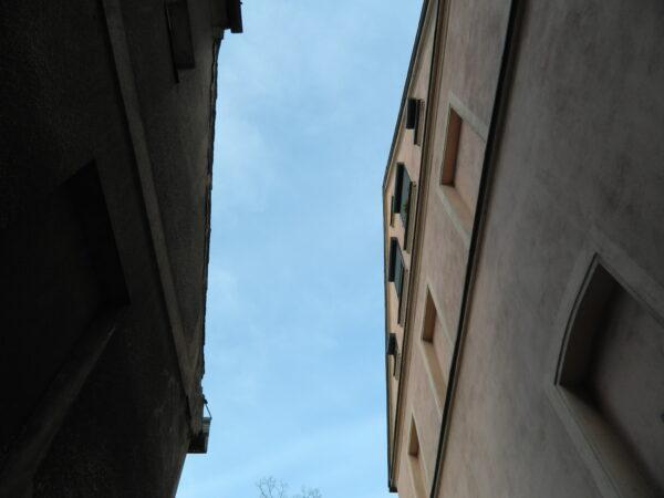 Na ulicy Wąskiej w Lesznie, fot. M. Gołembka