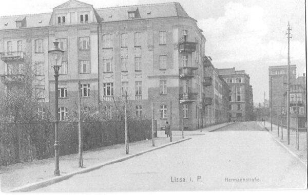 Ulica Marcinkowskiego przed rokiem 1914, wówczas Hermanstrasse, fot. ze zbiorów Z. Sochy