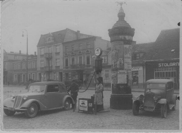 Stacja benzynowa Jana Jęczkowskiego, lata 30. XX w., fot. Muzeum Zamek Górków w Szamotułach