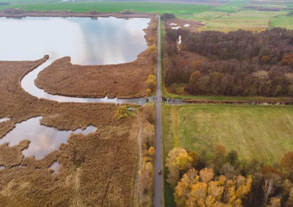 Kanał Obry wypływający do Jeziora Wonieść, fot. Piotr Nędzewicz