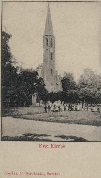 Pocztówka sprzed 1918 roku przedstawiająca kościół ewangelicki w Szamotułach, fot. ze zbiorów Muzeum Zamek Górków