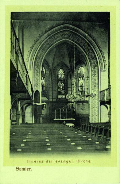 Pocztówka sprzed 1918 roku przedstawiająca wnętrze kościoła ewangelickiego w Szamotułach, fot. ze zbiorów Muzeum Zamek Górków