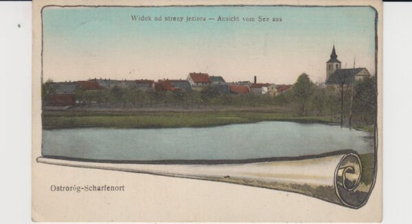 Ostroróg i widok na kościół, pomiędzy 1905 a 1918 rokiem, pocztówka ze zbiorów Muzeum Zamek Górków