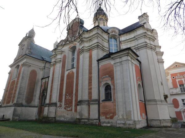 Bryła kościoła klasztornego w Lądzie, fot. Emilian Prałat
