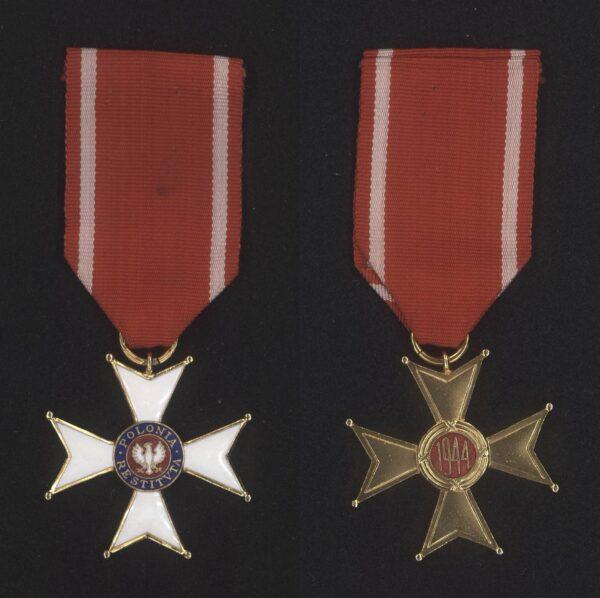 Krzyż Kawalerski Orderu Odrodzenia Polski należący do Emilii Chłapowskiej, fot. Archiwum Rodziny Chłapowskich