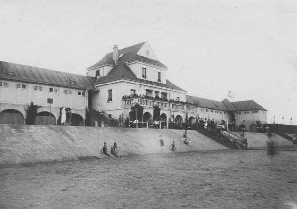 Poznań, plaża nad Wartą, 1926, fot. Narodowe Archiwum Cyfrowe