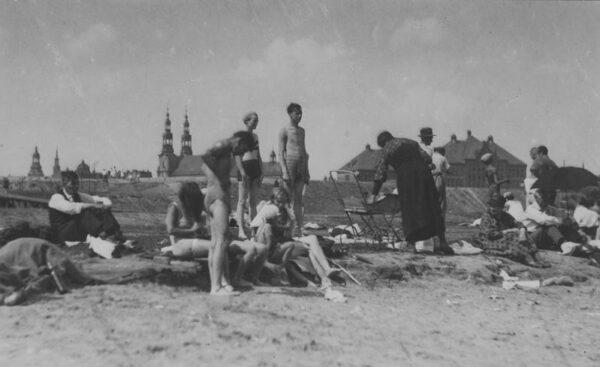 Poznań, plaża nad Wartą, 1933, fot. Narodowe Archiwum Cyfrowe
