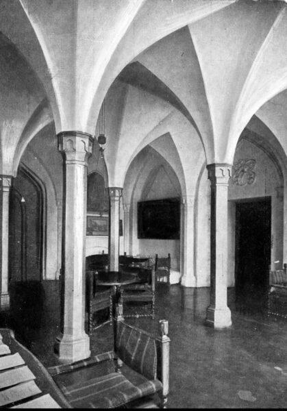 Wnętrza zamku w Kórniku, fot. Narodowe Archiwum Cyfrowe