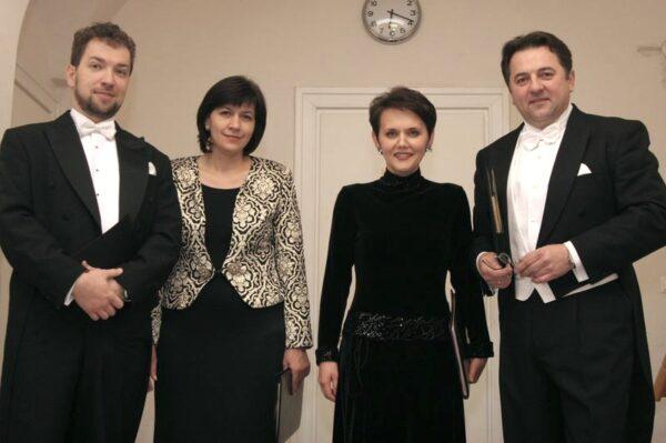 Krzysztof Szumański, Urszula Kryger, Olga Pasiecznik, Tomasz Zagórski przed koncertem w Filharmonii Poznańskiej