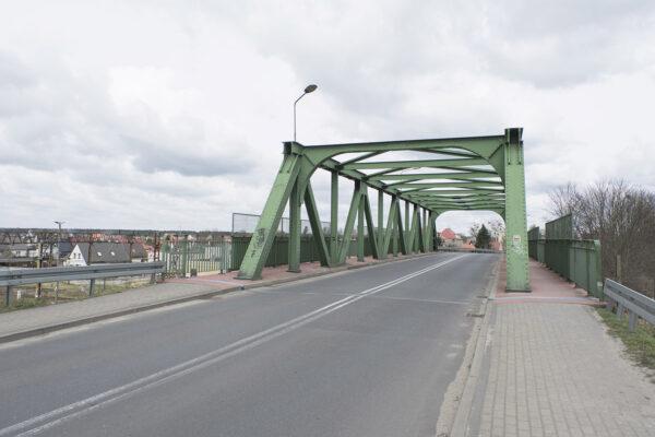 Most kolejowy w Krzyżu, częsty widok na pocztówkach, fot. K. Figas