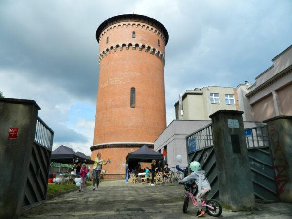 Zabytkowa wieża ciśnień podczas festiwalu, fot. M. Gołembka